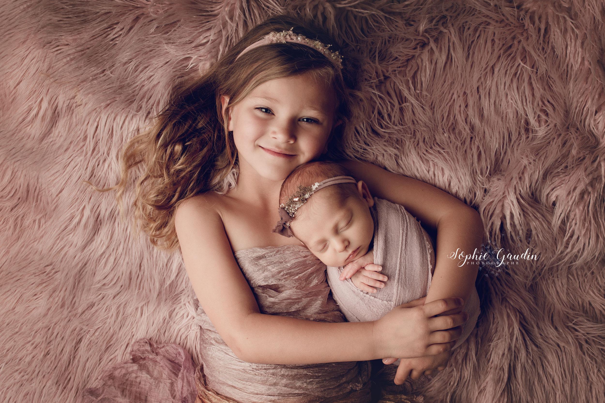 photographe-bebe-soeurs
