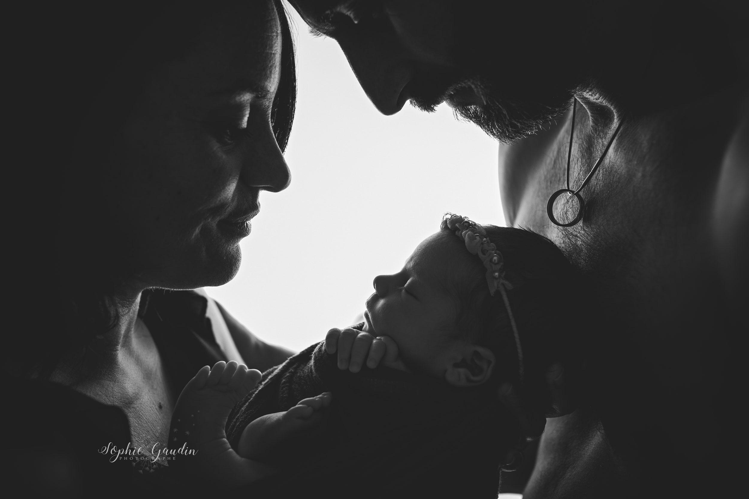 photographe-famille-contre-jour